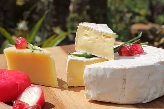 white cheddar cheese balsamic vinegar